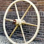 Houten wiel-scharensliep-Wagenmakerij-Verweij